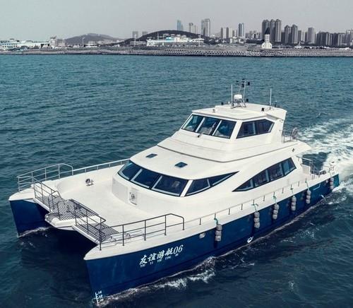 65英尺双体旅游观光客船成功交付数条